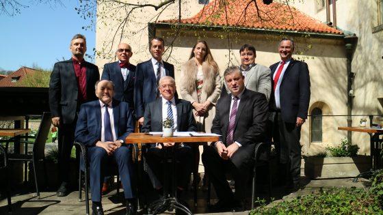 Cooperation agreements between CEEInno Platform and Platform Industrie 4.0 Österreich have been signed today in Prague